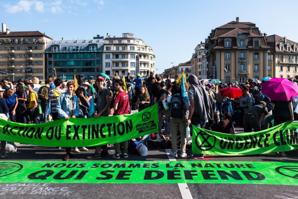 Blocage d'un pont par des membres d'Extinction Rébellion à Lausanne le 20 steptembre 2019.